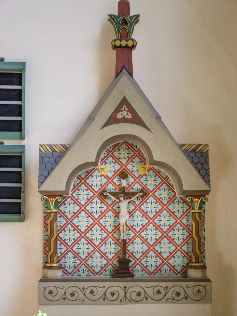 Der alte Altaraufsatz